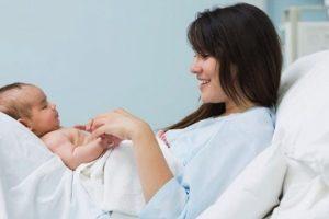 Hướng dẫn cách chăm sóc bà bầu sau khi sinh mổ đúng cách