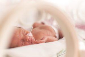 Những lưu ý khi chăm sóc trẻ sinh non mà bạn cần biết?